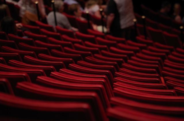 theatre-1477670_1920